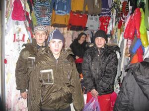Благотворительный фонд «Солидарность» приобрел детям одежду