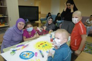 """А в Москве волонтеры """"Солидарности"""" на праздник навестили детей в онкологическом отделении РДКБ"""
